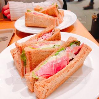 映画を見る前に朝食(*゚ω゚*)ノの写真・画像素材[1794550]