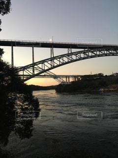 夕焼け 橋の写真・画像素材[1797067]