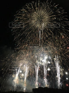 夜空の花火の写真・画像素材[1806688]