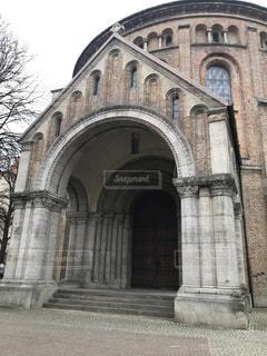 古い石造りの教会の写真・画像素材[2894442]
