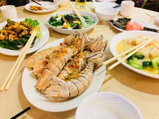 香港旅行のディナー(巨大シャコのニンニク揚げ)の写真・画像素材[1798898]