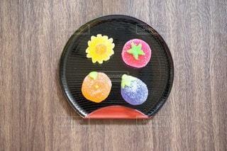 お盆の上の和菓子の写真・画像素材[3599827]