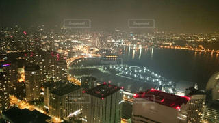 夜の街の景色の写真・画像素材[1804152]