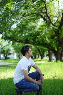 横顔の男性の写真・画像素材[2139514]