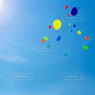 たくさんの風船の写真・画像素材[1821595]