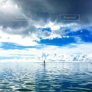 大空と孤独の写真・画像素材[1800686]