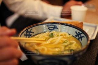 成田空港フードコートのうどんの写真・画像素材[1839382]