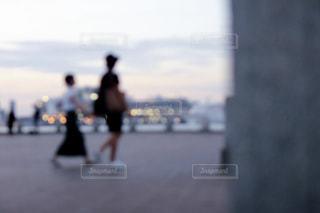 山下公園を歩くカップルの写真・画像素材[1858758]