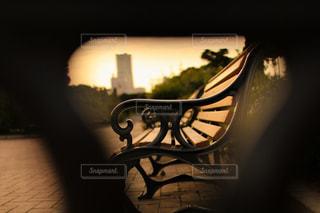 山下公園の夕暮れのベンチの写真・画像素材[1858774]