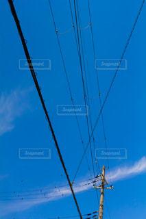青空と電柱の写真・画像素材[2059393]
