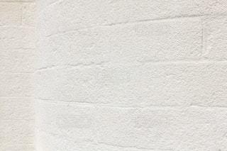 白色の壁の写真・画像素材[2094934]
