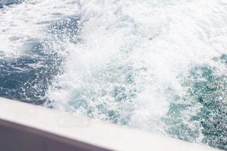 フェリーの水飛沫の写真・画像素材[2094957]