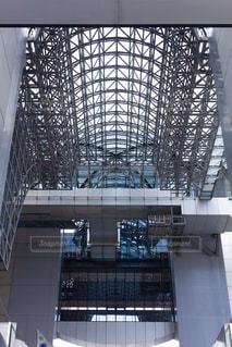 京都駅の烏丸小路広場の写真・画像素材[2182467]