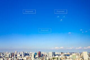 青空と街並みの写真・画像素材[2247176]