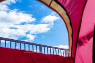 テントと青い空の写真・画像素材[2771866]
