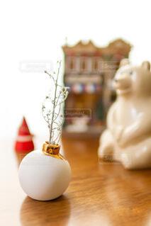 北欧雑貨と白いもみの木のドライフラワー インテリア 冬 クリスマスの写真・画像素材[4034806]