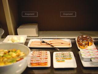 フランスのホテルの朝食の写真・画像素材[1812769]