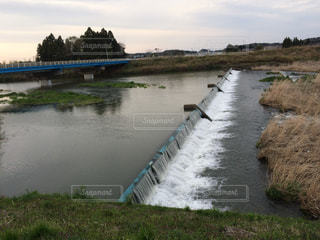 新田川の堰の写真・画像素材[1810517]