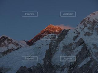 夕暮れのエベレストの写真・画像素材[1808596]