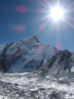 ヒマラヤの山々と氷河の写真・画像素材[1808617]