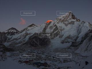夕暮れのエベレストの写真・画像素材[1808618]