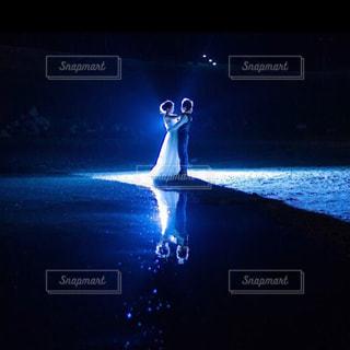 水面に反射させて水面フォトの写真・画像素材[1830904]