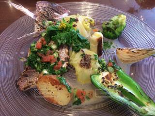鯛と新鮮な焼き野菜の写真・画像素材[1811359]