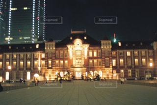 冬の東京駅の写真・画像素材[1810119]