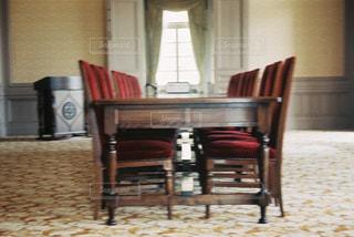 テーブルの写真・画像素材[2502897]