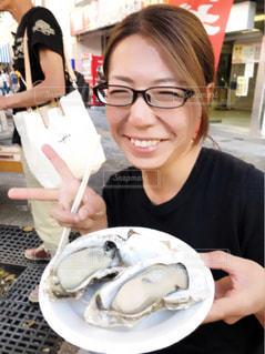 ぷりぷり牡蠣とわたしの写真・画像素材[1810557]