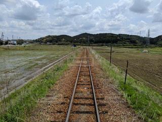 線路は続くよどこまでもの写真・画像素材[2107412]