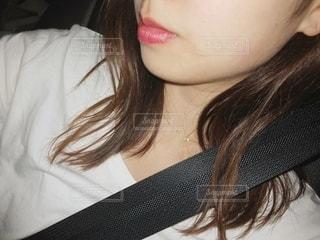 車内で自撮りの写真・画像素材[2064924]