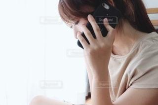 通話する女性の写真・画像素材[2252189]