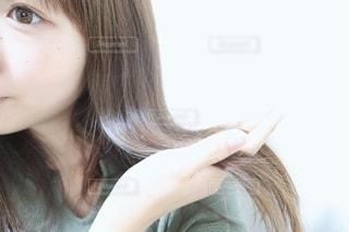 サラサラな髪の毛の写真・画像素材[2281349]