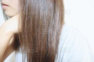 サラサラな髪の毛の写真・画像素材[2283372]
