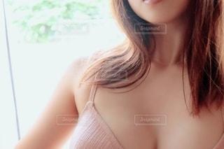 女性のデコルテラインの写真・画像素材[2310788]