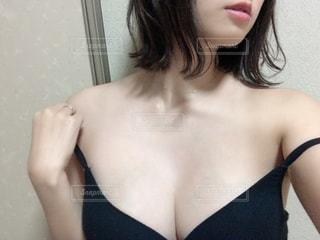 下着を着ている女性の写真・画像素材[2704086]
