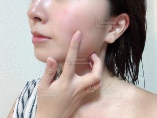 女性のすっぴん肌の写真・画像素材[2728998]