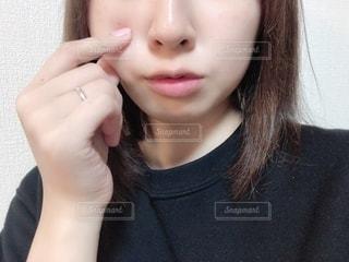 女性の自撮りの写真・画像素材[2752436]