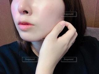 女性のすっぴん肌の写真・画像素材[2764260]