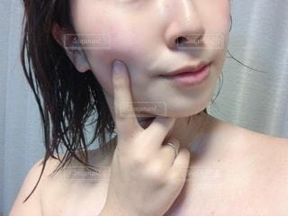 女性の自撮りの写真・画像素材[2777120]
