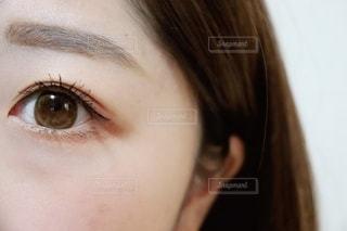 女性の目の写真・画像素材[2793764]