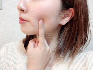 女性の横顔の写真・画像素材[2835516]