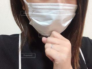 マスクをしている女性の写真・画像素材[3039538]