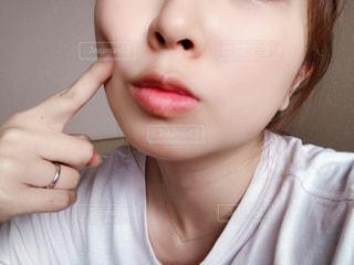 女性のすっぴん肌の写真・画像素材[3176346]