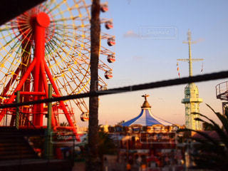 遊園地の夕暮れの写真・画像素材[2183746]