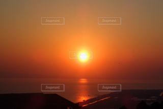 海に沈む夕日の写真・画像素材[1815029]