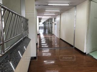 小学校の廊下ですねの写真・画像素材[1822066]