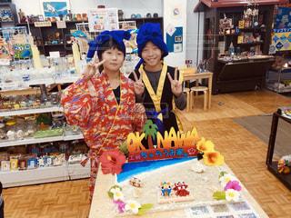 沖縄旅行で喜ぶ子供の写真・画像素材[1830448]