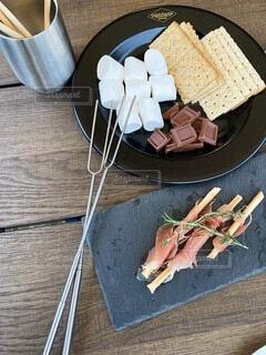野外でおしゃれな食事をの写真・画像素材[4833643]